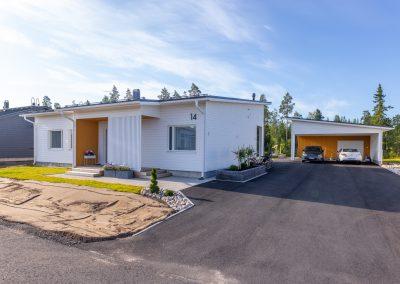 Upea asunto autokatoksen kera toteuttaa Rakennuspalvelu T&T Oulun seudulla.